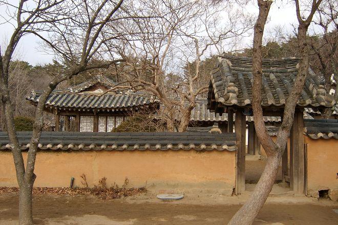 Heogyun and Heonanseolheon Memorial Hall, Gangneung, South Korea