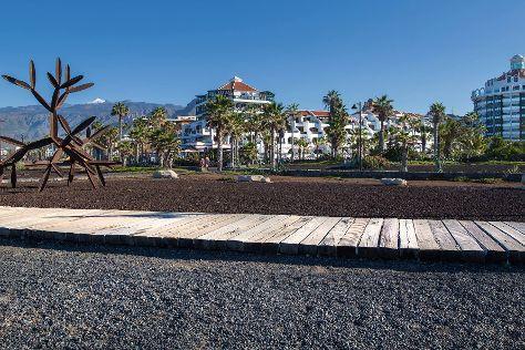 Parque Santiago Mini Golf, Playa de las Americas, Spain
