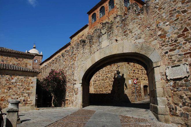 Arco de la Estrella (Star Arch), Caceres, Spain