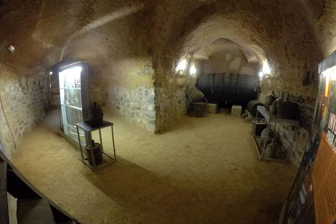 Bodega Aula de Interpretacion de Mucientes, Mucientes, Spain