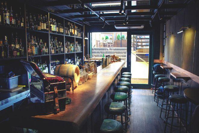 Gin Fizz Coctail Bar, Barcelona, Spain