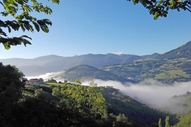 Pyrenean Experience, Ituren, Spain