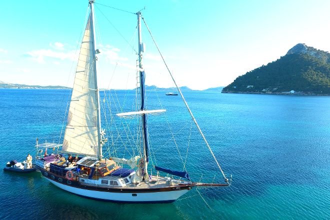Tudor Dawn Sailing Charters, Port de Pollenca, Spain