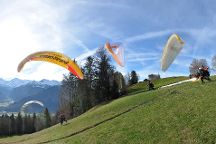 Twin Paragliding, Matten bei Interlaken, Switzerland