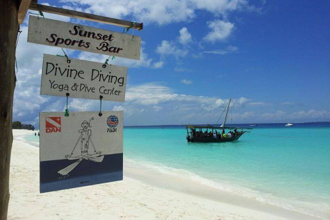 Divine Diving, Yoga & Dive Center, Nungwi, Tanzania