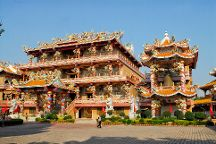 Wihan Thep Sathit Phra Ki Ti Chaloem, Chonburi, Thailand
