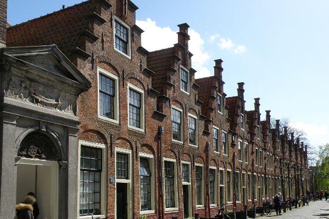 Gasthuis Huisjes (van het vroegere St. Elisabeth's Gasthuis), Haarlem, The Netherlands