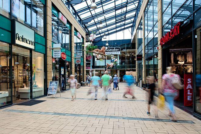 Winkelcentrum de Weiert, Emmen, The Netherlands