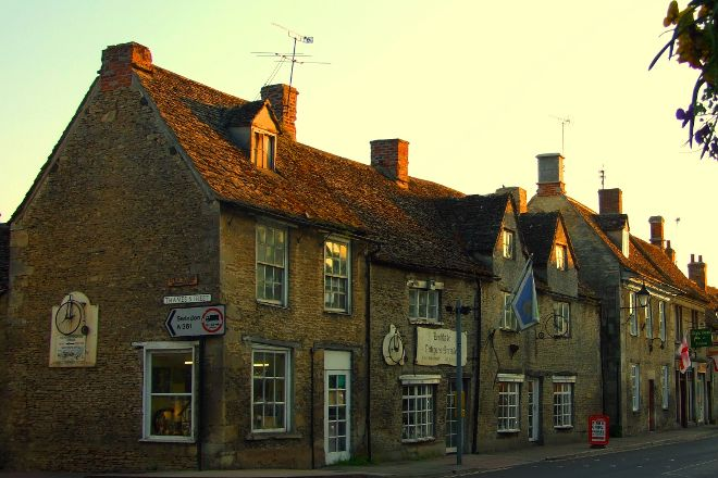 Lechlade Antiques Arcade, Lechlade, United Kingdom