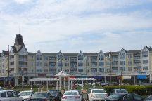 Pier Village, Long Branch, United States