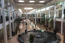 Plymouth Meeting Mall, Plymouth Meeting, United States