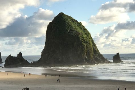 Haystack Rock, Cannon Beach, United States