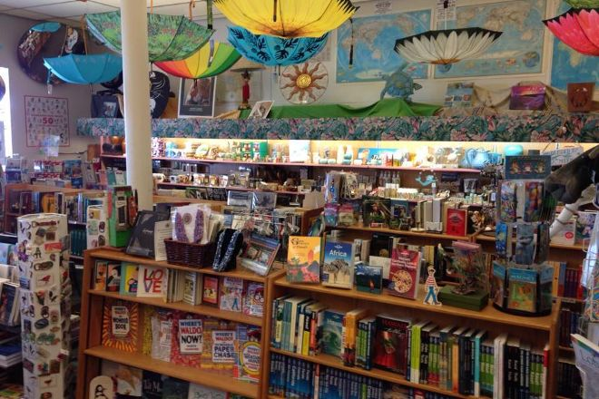 Basically Books, Hilo, United States