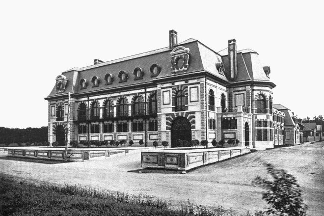 Belcourt of Newport, Newport, United States