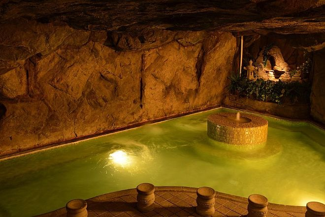 Beverly Hot Springs Spa, Los Angeles, United States