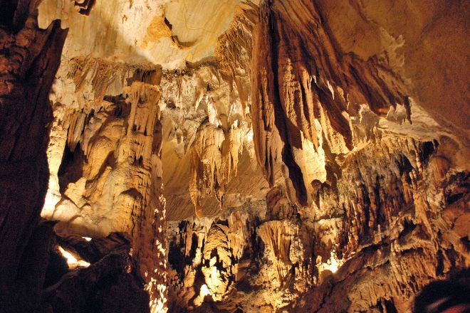 Bristol Caverns, Bristol, United States