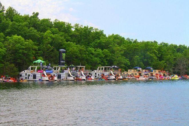 Bull Shoals Lake Boat Dock, Bull Shoals, United States