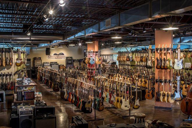 Carter Vintage Guitars, Nashville, United States