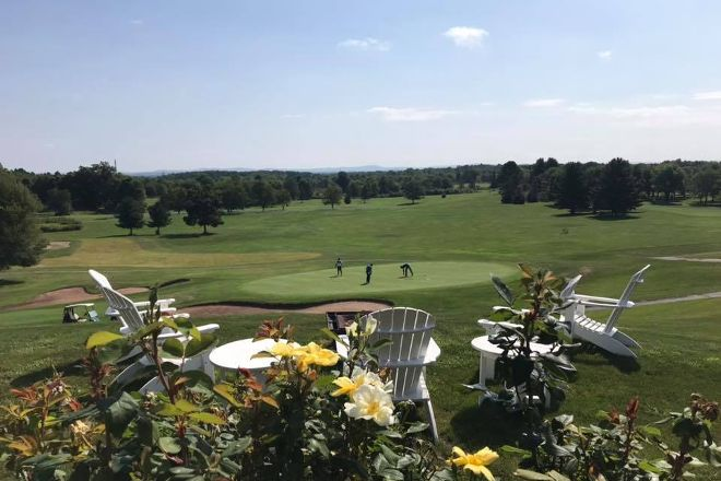 Crestview Country Club, Agawam, United States