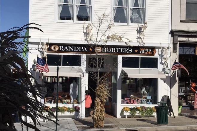 Grandpa Shorter's Gifts, Petoskey, United States