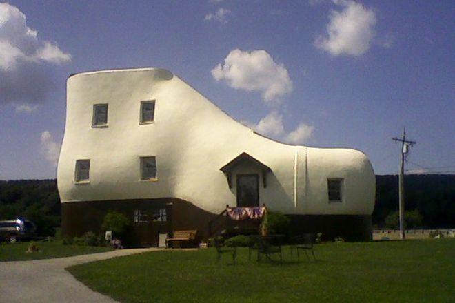Haines Shoe House, Hellam, United States