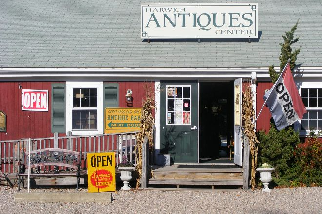 Harwich Antiques Center, West Harwich, United States