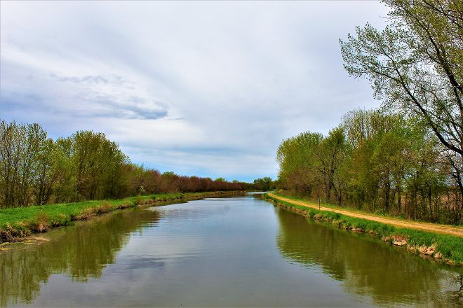 Hennepin Canal State Park, Sheffield, United States