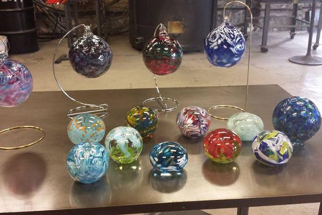Hot Shop Glass, Racine, United States