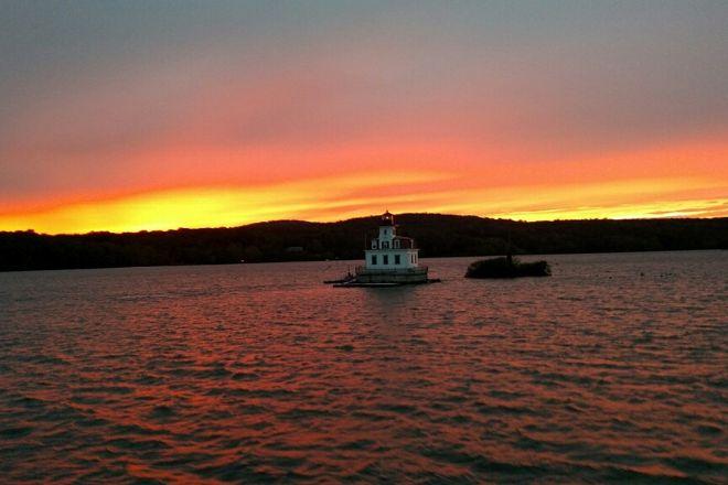 Hudson River Cruises, Inc., Kingston, United States