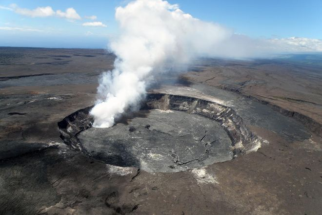 Keanakakoi Crater Overlook, Hawaii Volcanoes National Park, United States