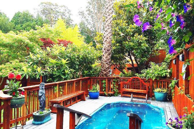 Kiva Retreat House, Santa Cruz, United States