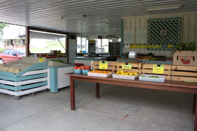 Knill's Farm Market, Mount Airy, United States