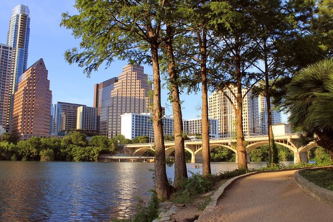 Lady Bird Lake Hike-and-Bike Trail, Austin, United States