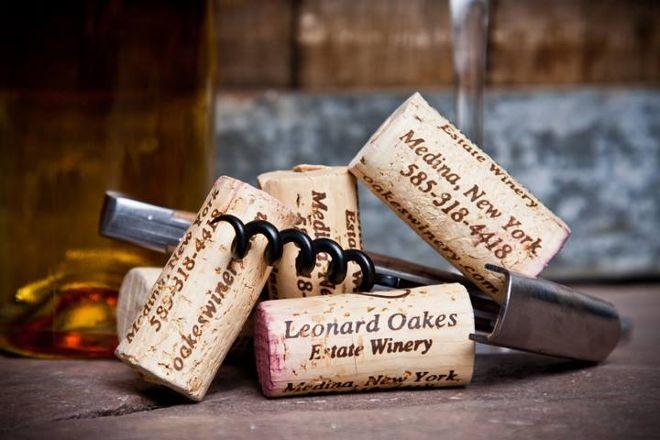 Leonard Oakes Estate Winery, Medina, United States