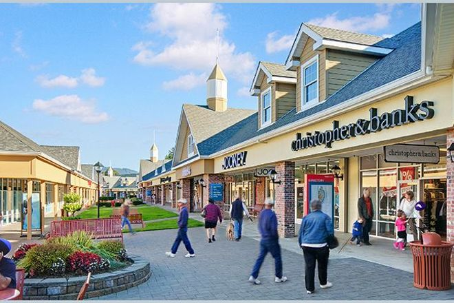 Lincoln City Outlets, Lincoln City, United States