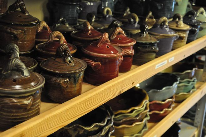 Miracle pottery, Valley Head, United States