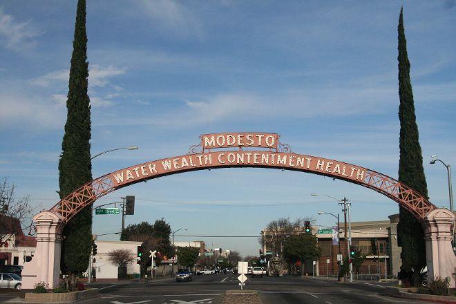 Modesto Arch, Modesto, United States