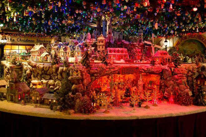 National Christmas Center, Paradise, United States