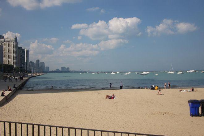 Ohio Street Beach, Chicago, United States