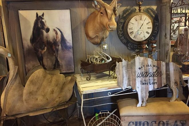 Pandora's Box Antiques, Frankston, United States