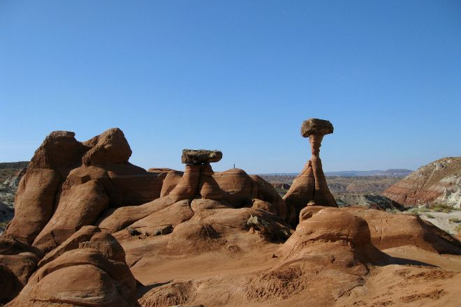 Paria Rimrocks Toadstool Hoodoos, Big Water, United States