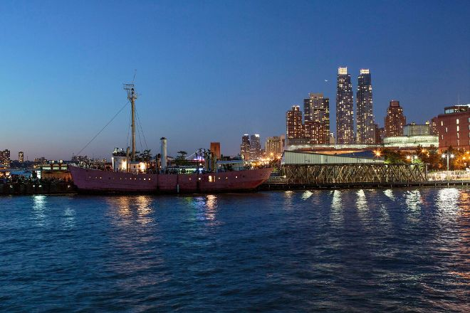 Pier 66 Maritime, New York City, United States