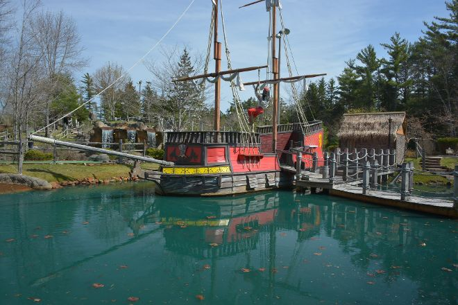 Pirate's Cove Miniature Golf, Bar Harbor, United States