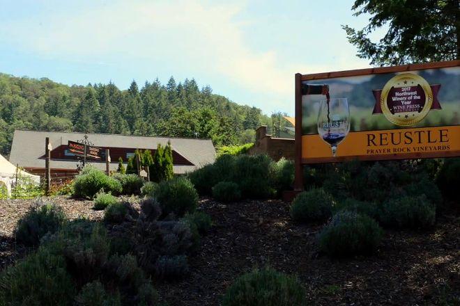 Reustle Prayer Rock Vineyards, Roseburg, United States