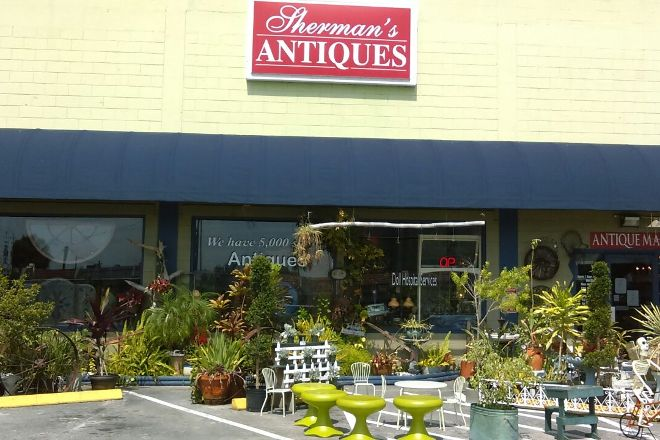 Sherman's Antiques, Winter Haven, United States