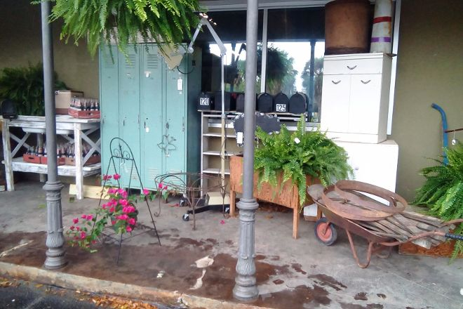 Southern Antiques and Accents, Fairhope, United States