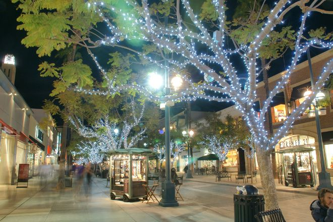 Third Street Promenade, Santa Monica, United States