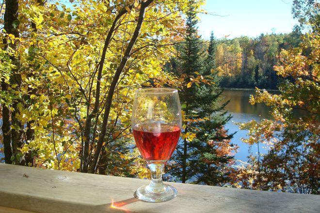 Three Lakes Winery, Three Lakes, United States
