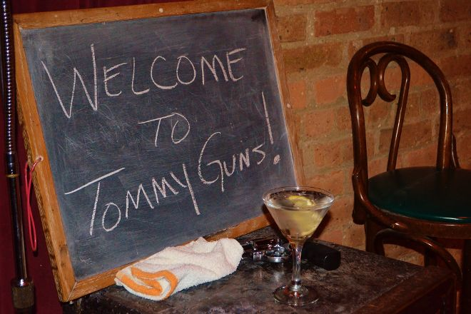Tommy Gun's Garage, Chicago, United States