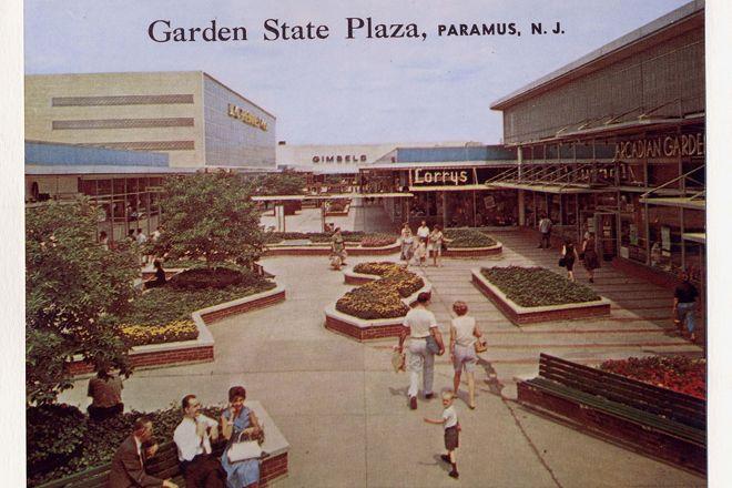 Westfield Garden State Plaza, Paramus, United States